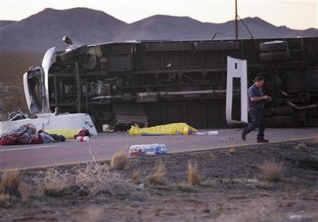 Seven killed in Arizona tourist bus crash - Reuters