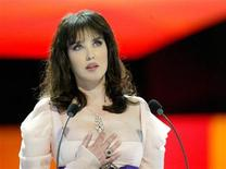 <p>French Actress Isabelle Adjani, President of the 30th edition of the French Cesar film awards ceremony speaks in Paris, February 26, 2005. REUTERS/Emmanuel Fradin</p>