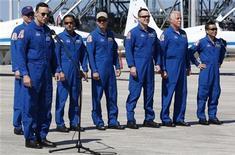 <p>I membri dell'equipaggio dello shuttle Discovery. REUTERS/Scott Audette (UNITED STATES SCI TECH)</p>