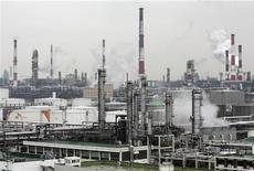 <p>Ambiente, crisi economica potrebbe dimezzare emissioni di Co2. REUTERS/Jo Yong-Hak</p>