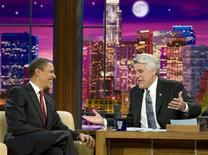 """<p>Il presidente Usa Barack Obama (a sinistra) con Jay Leno al """"The Tonight Show with Jay Leno"""". REUTERS/Larry Downing</p>"""