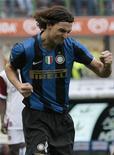 <p>Atacante da Inter de Milão Ibrahimovic comemora gol contra o Reggina na Série A. 22/03/2009. REUTERS/Alessandro Garofalo</p>