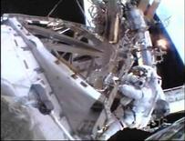 <p>Astronauta al lavoro all'esterno della stazione spaziale. REUTERS/Ho</p>