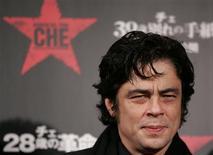 """<p>Integrante do elenco do filme """"Che"""", Benicio Del Toro na exibição do filme em Tóquio. 16/12/2008. REUTERS/Yuriko Nakao</p>"""