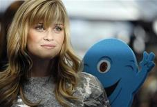 """<p>Actress Reese Witherspoon, who gives voice to Ginormica in the movie, poses at the premiere of """"Monsters vs. Aliens"""" at the Gibson amphitheatre in Universal City, California March 22, 2009. REUTERS/Mario Anzuoni</p>"""