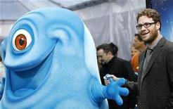 "<p>Actor Seth Rogen, who gives voice to B.O.B. in the movie, poses at the premiere of ""Monsters vs. Aliens"" at the Gibson amphitheatre in Universal City, California March 22, 2009. REUTERS/Mario Anzuoni</p>"