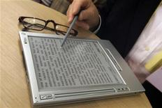 <p>Un libro elettronico. REUTERS/Alex Grimm</p>
