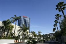 <p>A general view of the Hilton hotel in the Universal City area of Los Angeles July 3, 2007. REUTERS/Mario Anzuoni</p>