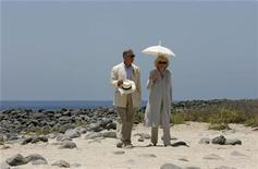 <p>Britain's Prince Charles and his wife Camilla, Duchess of Cornwall, walk together during their visit to Seymour Island March 17, 2009. REUTERS/Guillermo Granja</p>