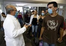 <p>Influenza suina, Oms non raccomanda restrizione dei viaggi. REUTERS/Victor Ruiz</p>