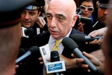 <p>Scissione Lega Calcio. REUTERS/Alessandro Bianchi</p>