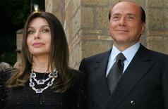 <p>Il presidente del Consiglio Silvio Berlusconi e la moglie, Veronica Lario. REUTERS/Alessandro Bianchi/Files</p>