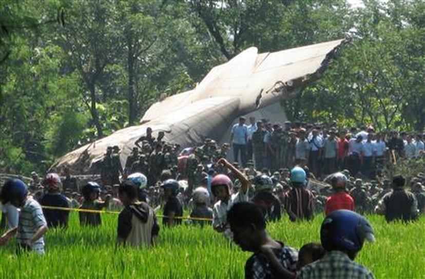 Indonesia says 98 killed in military plane crash