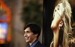 """<p>Cast member Justin Long poses at the premiere of the movie """"Drag Me to Hell"""" at the Grauman's Chinese theatre in Hollywood, California May 12, 2009. REUTERS/Mario Anzuoni</p>"""