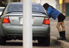 <p>Immagine d'archivio di una prostituta. REUTERS/Dan Riedlhuber DR/NL</p>