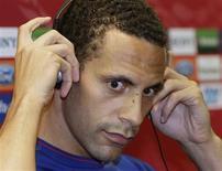 <p>Zagueiro do Manchester United Rio Ferdinand em uma coletiva de imprensa em Roma. 26/05/2009. REUTERS/Darren Staples</p>