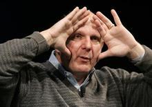 """<p>Presidente da Microsoft, Steve Ballmer, gesticula durante apresentação em na Universidade Stanford, no início de maio. A empresa está reformulando seu serviço de buscas sob a marca """"Bing"""".</p>"""