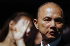 <p>Designer Jimmy Choo attends the Vivienne Tam Autumn/Winter collection during the Singapore Fashion Festival 2007 March 23, 2007. REUTERS/Nicky Loh</p>