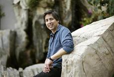 "<p>Actor Ray Romano, who gives his voice to Manny in the animated movie ""Ice Age: Dawn of the Dinosaurs"" poses for a portrait in Marina del Rey, California in this June 8, 2009 file photo. The movie grossed a cool $13.8 million in North American theaters on Wednesday, marking Hollywood's biggest mid-week opening for an animated film. REUTERS/Mario Anzuoni</p>"