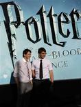 <p>Atores de Harry Potter posam para fotos durante divulgação do novo filme. REUTERS/Juan Medina</p>