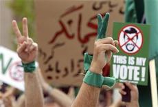 <p>Proteste contro le elezioni in Iran. REUTERS/Sebastien Pirlet (BELGIUM POLITICS CONFLICT)</p>
