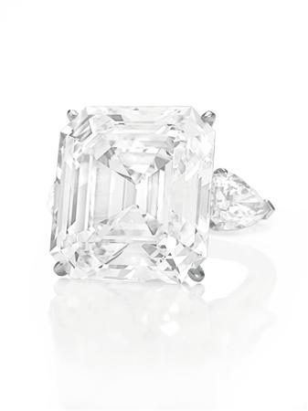 as sell to christie a will auctions in with block this which culture fetch s of annenberg auction gem rare carat emerald gddiamond expected autumn sale giant hit the is york new diamond cut christies