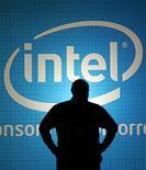 <p>Anúncio da Intel em feira de tecnologia em Taipé. A maior fabricante de chips do mundo entrou nesta quarta-feira com um recurso na Corte de Primeira Instância da Europa contra uma multa de 1,06 bilhão de euros imposta pelo órgão regulador da União Europeia.</p>