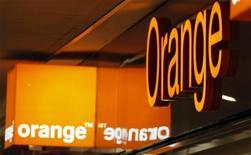 <p>Logo della compagnia Orange a Nizza. REUTERS/Eric Gaillard</p>