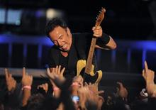 <p>Bruce Springsteen in concerto. REUTERS/Vincent West (SPAIN ENTERTAINMENT SOCIETY)</p>
