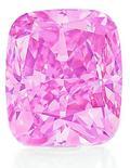 <p>Foto de un extraño diamante rosa puesto a la venta por la casa de remates Christie's. Un extraño diamante rosa de cinco kilates será vendido en Hong Kong en diciembre por Christie's, que espera que la piedra alcance ofertas récord mundiales, en parte gracias a las posibilidades que ofrecen los coleccionistas de joyas asiáticos. REUTERS/Christie's/Handout</p>