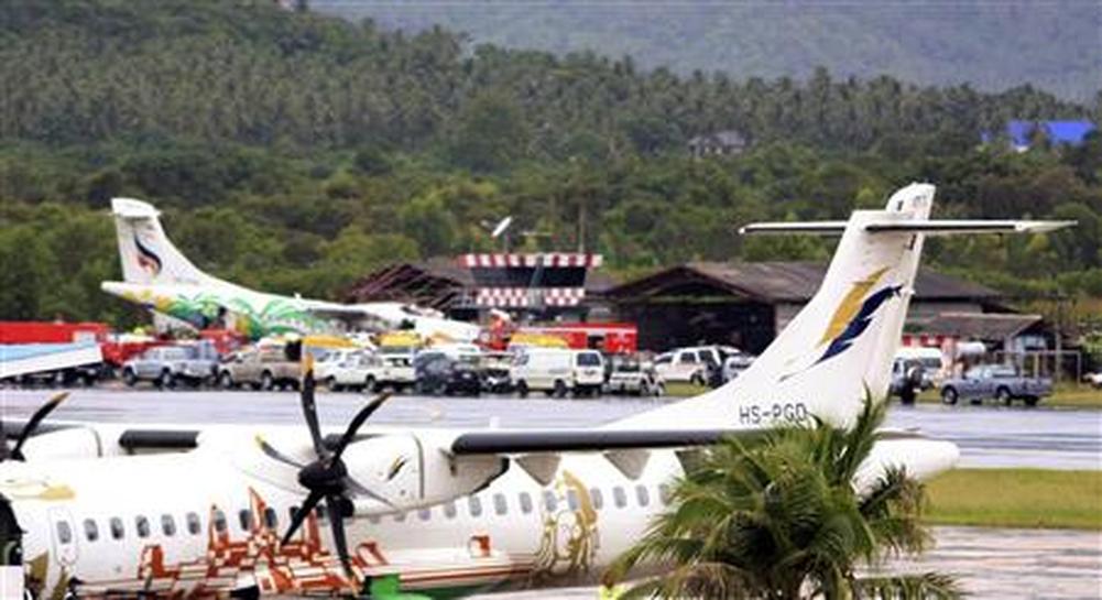 Thai plane crashes on Koh Samui, 1 dead - Reuters