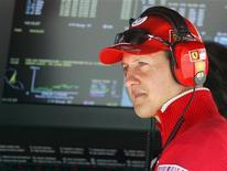 <p>Foto de arquivo do heptacampeão mundial de Fórmula 1 Michael Schumacher em treinamento da Ferrari. 28/03/2009. REUTERS/Mick Tsikas</p>