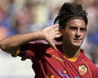 <p>Il centrocampista della Roma Alberto Aquilani. REUTERS/Chris Helgren (ITALY)</p>