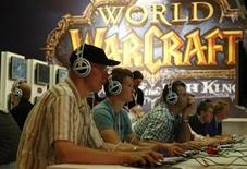 <p>Посетители играют в 'World Warcraft' на выставке Games Convention в Ляйпциге 20 августа 2008 года. Среднестатистический геймер - это 35-летний полноватый интроверт, страдающий депрессией, выяснили исследователи американского Центра по контролю заболеваний. REUTERS/Fabrizio Bensch</p>