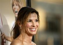 """<p>Cast member Sandra Bullock attends the premiere of the movie """"All About Steve"""" at the Mann Chinese theatre in Hollywood, California August 26, 2009. REUTERS/Mario Anzuoni</p>"""
