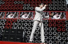<p>Davey Havok, lead singer of the band AFI, performs with his band during the New York Live Earth concert at Giants Stadium in East Rutherford, New Jersey July 7, 2007. REUTERS/Lucas Jackson</p>