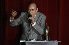 <p>Mick Jones, former guitarist and vocalist of English punk rock band The Clash, accepts the Inspiration Award at the 2008 NME Awards USA at El Rey theater in Los Angeles, April 23, 2008. REUTERS/Mario Anzuoni</p>