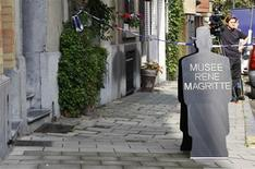 """<p>Vista del Museo Rene Magritte en Bruselas, 24 sep 2009. Dos hombres, uno armado con lo que parecía ser una pistola, robaron un cuadro del pintor surrealista belga Rene Magritte de un museo de Bruselas el jueves por la mañana. """"Olympia"""", una pintura de 1948 que retrata a una mujer desnuda reclinada con una concha sobre el estómago, tiene un valor de 750.000 euros (1,1 millones de dólares), dijo la policía. REUTERS/Francois Lenoir</p>"""