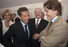 <p>Nicolas Sarkozy a volé mardi au secours de son fils Jean, dont la promotion annoncée à la tête de l'Etablissement public d'aménagement de La Défense (Epad) a été quasi unanimement soutenue par la droite. /Photo prise le 30 juin 2009/REUTERS/Philippe Wojazer</p>