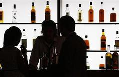 <p>Visitors at an wine expo in a file photo. REUTERS/Regis Duvignau</p>