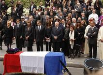 <p>Un momento del funerale dello stilista francese Yves Saint Laurent. REUTERS/Benoit Tessier</p>