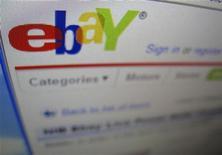 <p>Il logo di eBay nella pagina in lingua inglese del sito di e-commerce. REUTERS/Mike Blake</p>