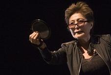 <p>Artist Yoko Ono performs in Venice June 6, 2009. REUTERS/Alessandro Bianchi</p>