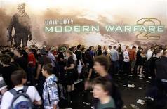 <p>La pubblicità di 'Call of Duty - Modern Warfare 2' . REUTERS/Ina FAssbender</p>