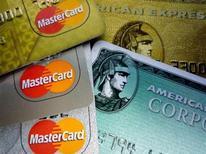 <p>Alcune carte di credito. REUTERS/Jim Bourg (UNITED STATES)</p>