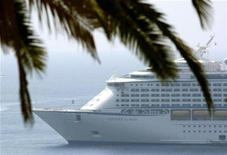 "<p>View of the cruise ship ""Voyager of the Seas"" carrying dozens of victims of swine flu among its 5000 passengers and crew is anchored in the bay of Villefranche sur Mer, southeastern France, July 31, 2009. REUTERS/Eric Gaillard</p>"