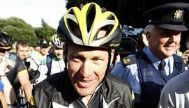 """<p>Семикратный победитель """"Тур де Франс"""" Лэнс Армстронг в парке Дублина 25 августа 2009 года. Американский велогонщик Лэнс Армстронг планирует завершить спортивную карьеру по окончанию сезона в 2011 году, однако сделает все возможное, чтобы выиграть за эти два года восьмой титул на """"Тур де Франс"""". REUTERS/Cathal McNaughton</p>"""