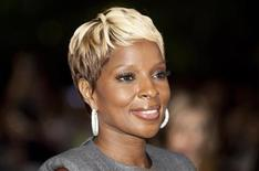 """<p>Mary J. Blige arrives at the """"Precious"""" film screening during the 34th Toronto International Film Festival, September 13, 2009. REUTERS/Mark Blinch</p>"""