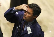 <p>Un trader di New York. Foto d'archivio. REUTERS/Brendan McDermid</p>