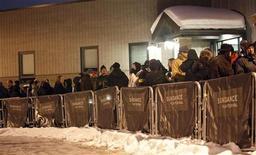 <p>23 gennaio 2010. Fila per il Sundance Film Festival. Il festival, in programma dal 21 al 31 gennaio, è organizzato a Park City, sobborgo di Salt Lake City nello stato dell'Utah. REUTERS/Mario Anzuoni</p>